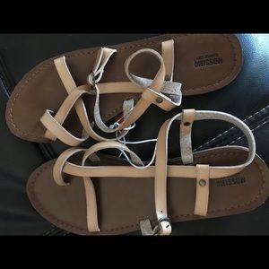 Mossimo sandals size 7 1/2